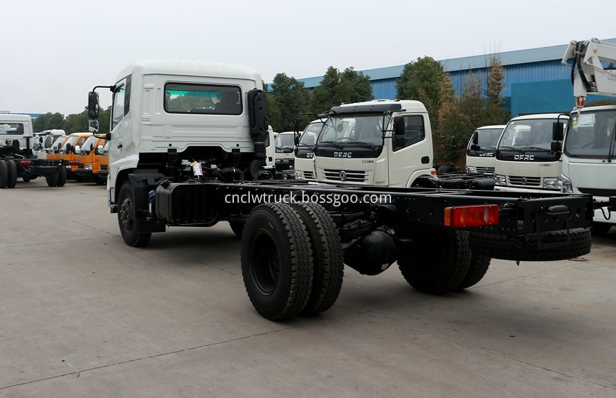 water spray truck chassis 3