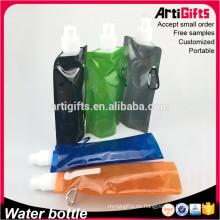 Botellas plásticas plegables baratas al por mayor con el mosquetón