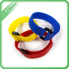 Factory Suppliers Different Color Custom Logo Wristband with Magic Stick