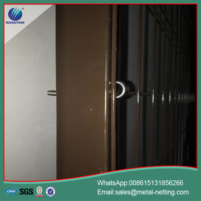 pvc-coated-welded-fence