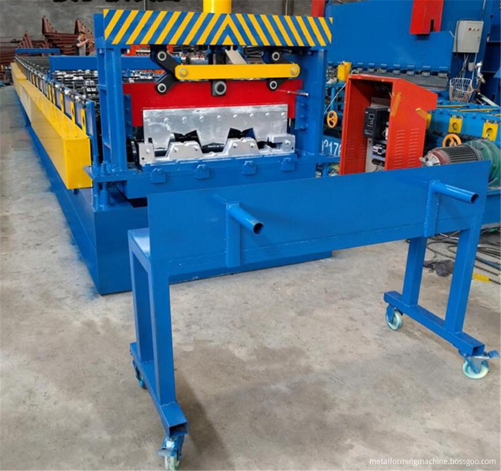Metal floor decking roll forming equipment
