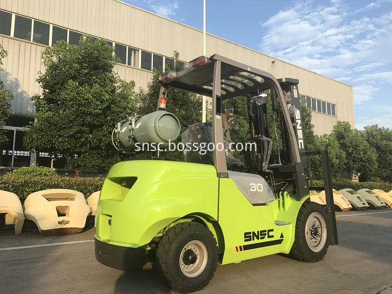 4pcs 3t gas forklift to MEXICO from sheri (1)