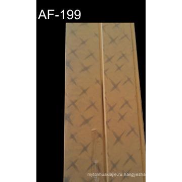 Чистая белая стеновая панель из ПВХ