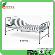 Un lit d'hôpital en acier inoxydable à manivelle