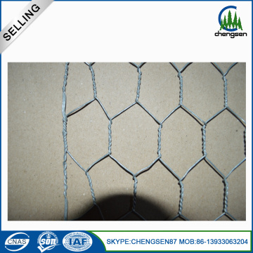 27KGS / Roll Hot mencelupkan Galvanized Hexagonal Chicknen Netting
