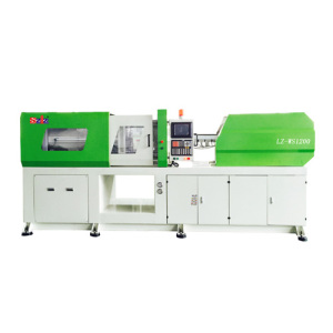 PET horizontal injection molding machine