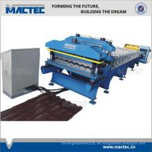 hohe Rippendachplatten-Rolle, die Maschine bildet