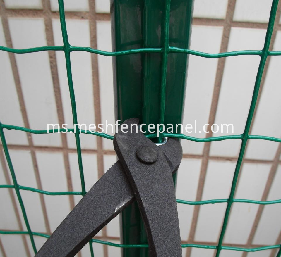 Plastic welded wire mesh
