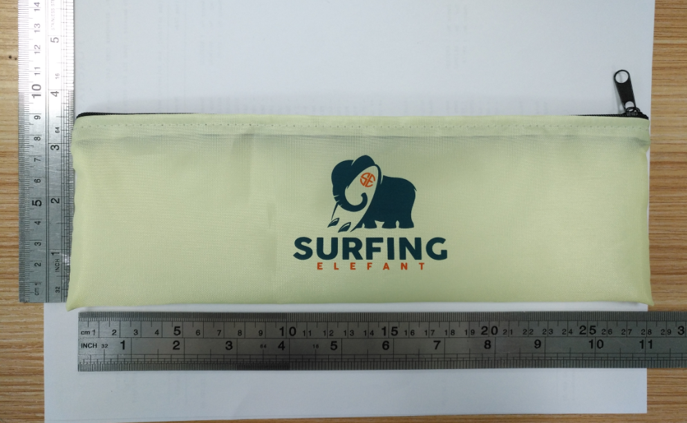 Zip nylon pouch for packaging fitness loop