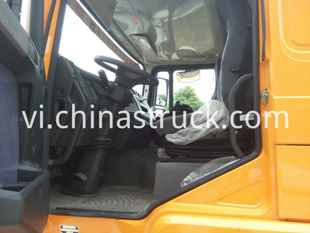Shacman Telescopic Boom Truck Mounted Crane picture