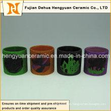 Выдолбленная из цветной керамической дымовой трубы маленькой лампы для украшения Хэллоуина