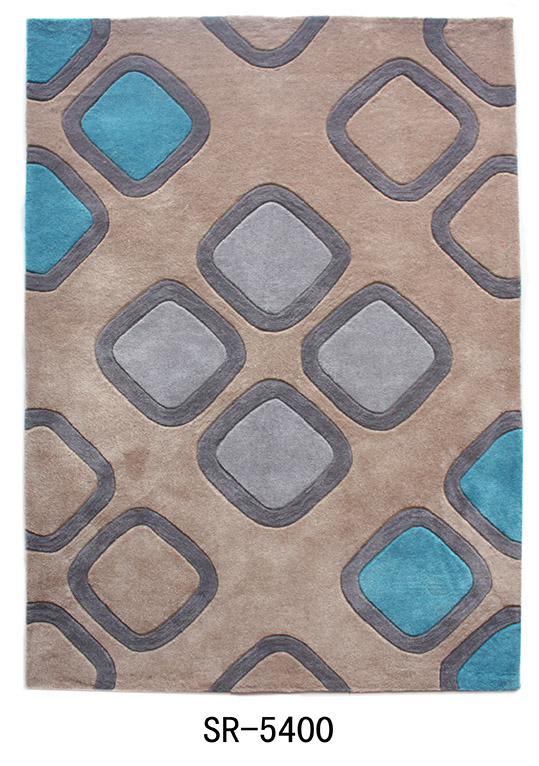 Polyester hand tufted carpet