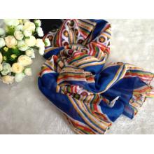 2016 neue 100% gesponnene Polyester Voile Fabrics für Schal