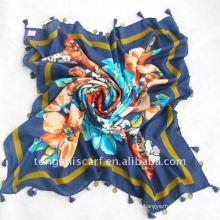 Voile quadratischer Schal mit Perlen