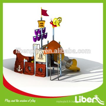 Diapositives commerciales de terrain de jeux de pirate avec structure d'escalade