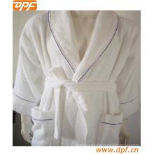 Super Soft Plush Bathrobe Fleece SPA Robe Made in China
