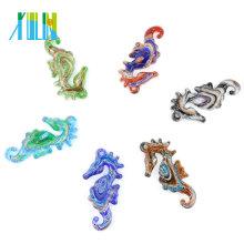 Nuevo diseño Animal arena oro arena multicolor mar caballos colgantes para collar 12 unids / caja, MC0009
