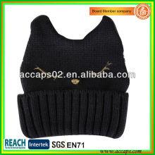 Chapeau de chat en tricot BN-0501