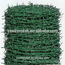 Precio competitivo galvanizado / Pvc revestido alambre de púas precio alambre de púas por rollo (fábrica)