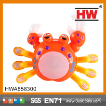 Забавная пластмассовая игрушка с красным аккумулятором из музыкального краба со светом