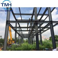 entrepôt de poulailler préfabriqué à structure métallique
