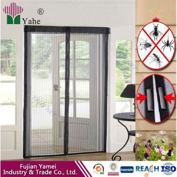 Cortina de puerta con mosquitero magnético manos libres