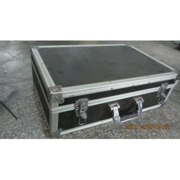 Caja de aluminio (negro) con forro de espuma (BC-47)