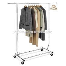 Wäscheständer der hohen Qualität des eleganten Kleidungsstücks, Tücher dispnen im Supermarkt