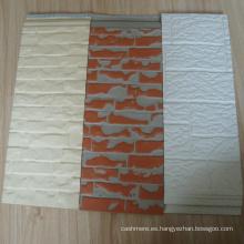 Panel de sándwich de poliuretano con aislamiento de sonido com-positivo