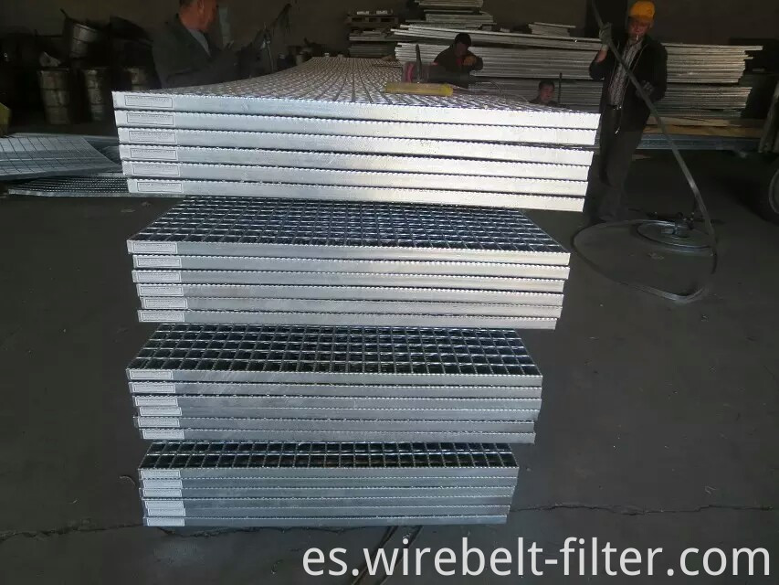 Galvanized grating