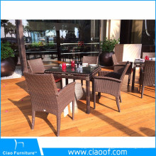 Foshan Hot Sale 4 Chairs And A Table Wicker Rattan Dining Set
