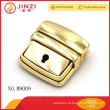 Etiqueta de equipaje de color brillante de gama alta de oro, bolsos de la cerradura y de la llave