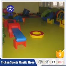 Suelo de PVC para niños parque infantil cubierto