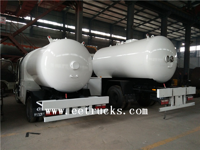 10 TON LPG Dispenser Trucks with Flow Meter