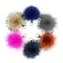 Luxury 15cm Fluffy Raccoon Fur Ball Keychain Real Fur Key Chains Fur Pompom Keychain Pompon Keyring Charm Women Bag Pendant