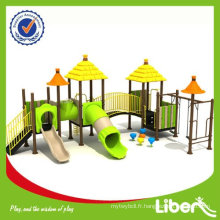 Liben Straw House Series kids Matériel de glissière de terrain en plastique usagé avec balançoires LE.DC.010
