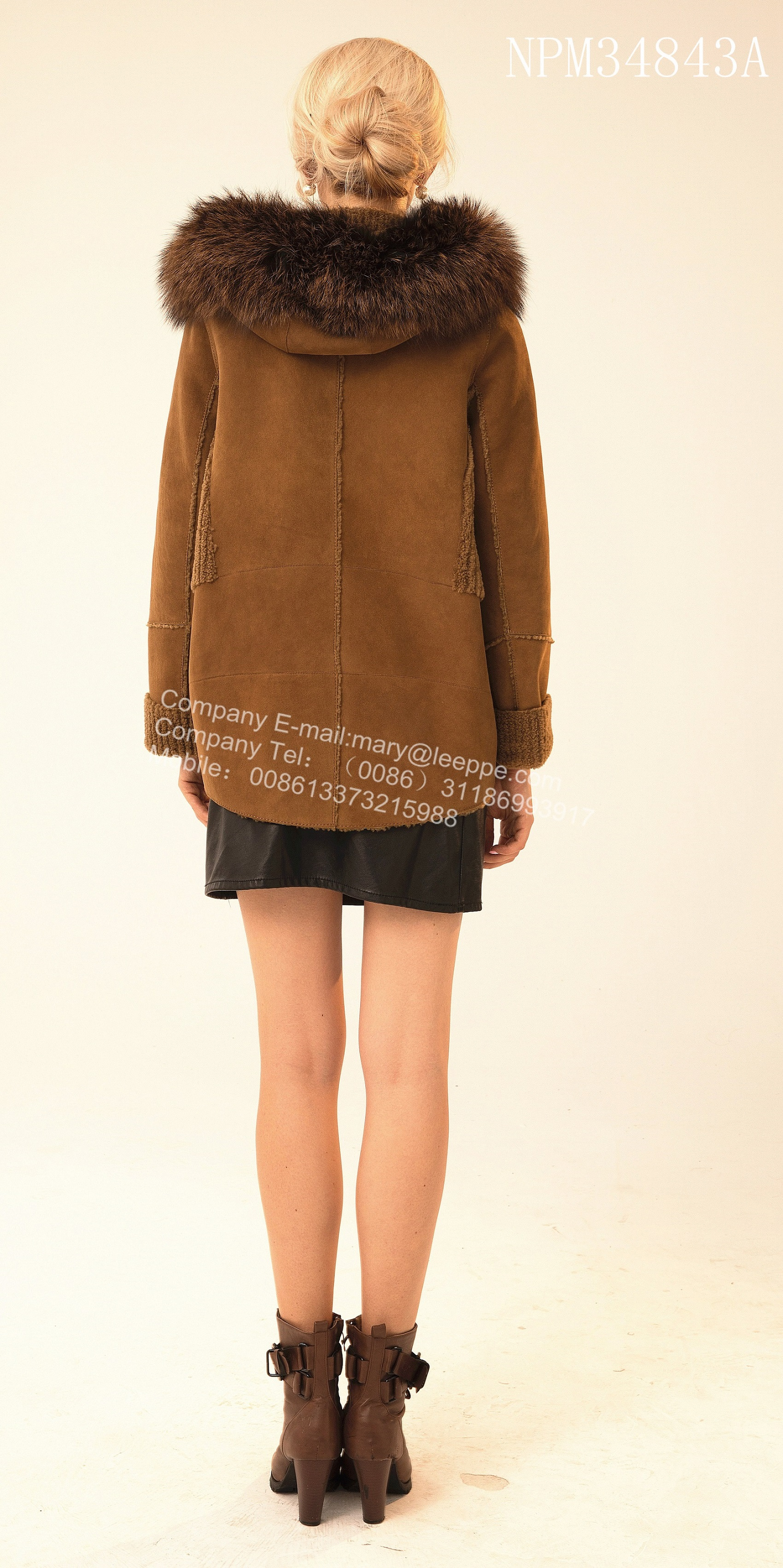 Short Rib Sleeve Copenhagen Fur Hooded Jacket
