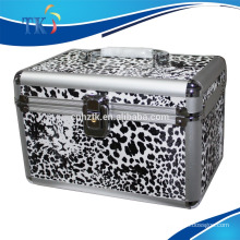 aluminum cosmetic case with handle