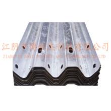 Steel Thire Waves Highway Guardrail Roll formando linha de produção de máquinas Rússia