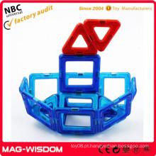 Brinquedo plástico do bloco do jogo