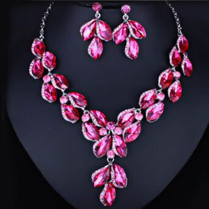 High Quality Luxury Crystal Necklace Set With Clear Diamonds