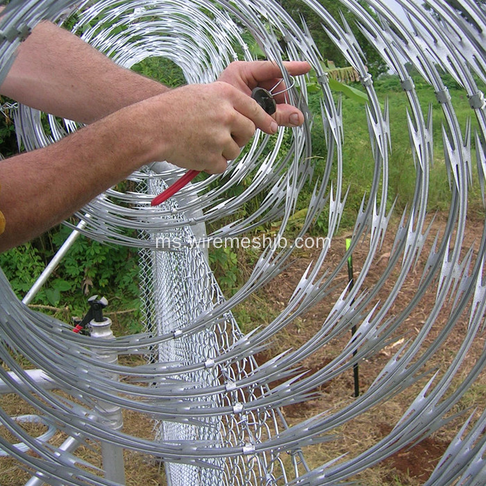 BTO-22 Hot-dip Galvanized Concertina Razor Wire