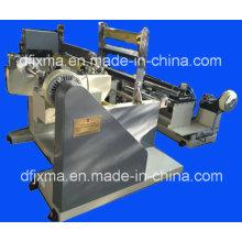 Machine de rembobinage de papier à papier avec dispositif d'élimination de poussière