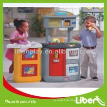 Kinder spielen Spielzeug Haus LE.WS.053