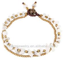 Natural pulseira de turquesa branco com contas de latão pulseira Vners SB-0021