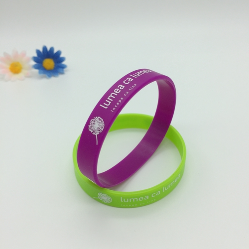 silkprinted silicone wristbands