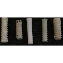 Clavija de tornillo de plástico para ferrocarril