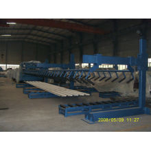 Steel roll forming machine with automatic stacker