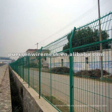Fabricación de vallas de malla de alambre soldadas recubiertas de PVC verde
