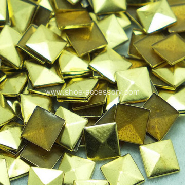 Imitated Gold Tone Pyramid HotFix Studs for Clothing